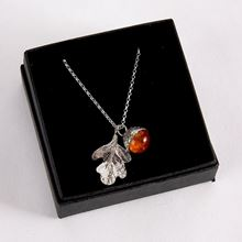 Amber oak necklace