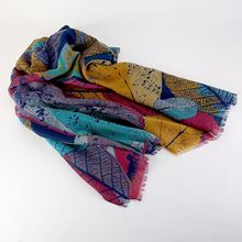Leaf outlines scarf